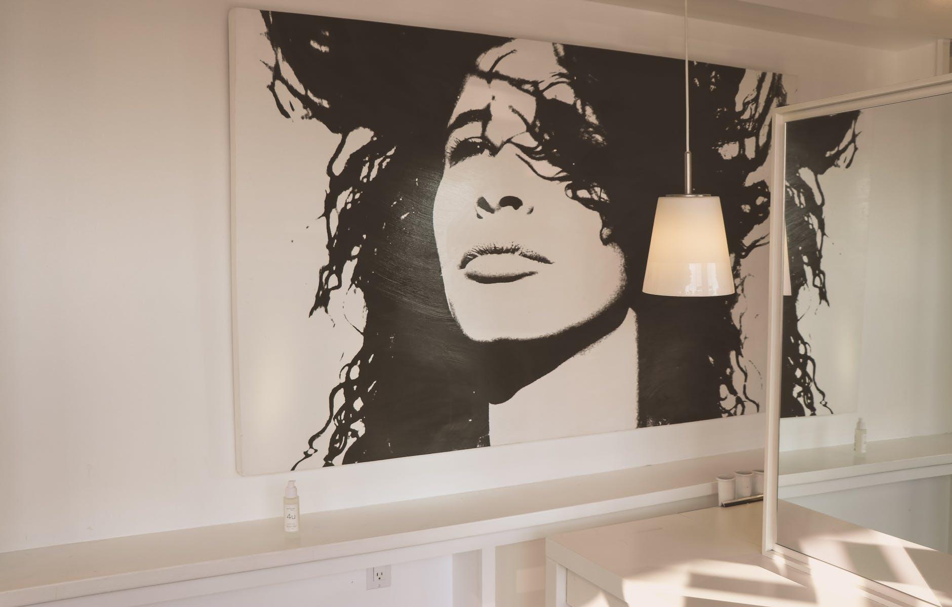 Een schilderij een plekje in jouw interieur geven doe je zo